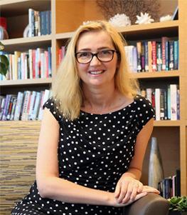 Roxana Roatis Sales Manager at Oceana PARC